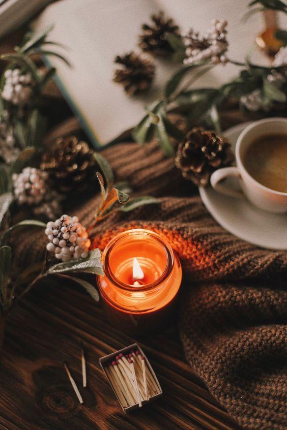 Выбираем свечи для осени