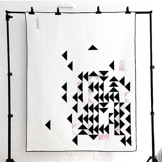 I'm so happy to see that @qvilted's quilt made it into QuiltCon! She's one of my quilting crushes.  Check out her work! Congrats Yara! #quiltcon #quilt #modernquilt