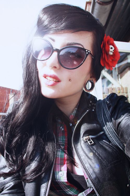 I Miss My Dimple Piercings Rockabilly Beauty Ideas