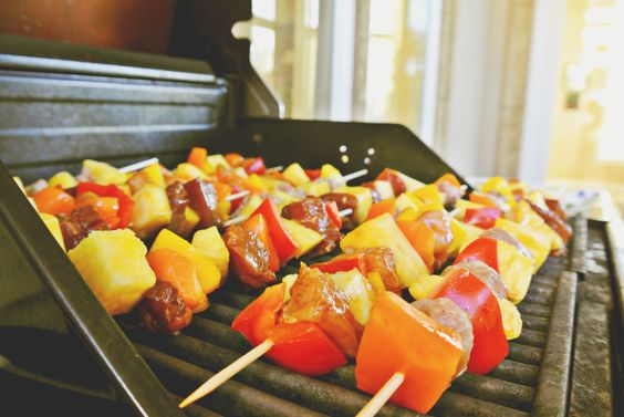 Summer Time Patio Party. Great grill tips, food and drink recipes, and decor ideas too for a great summer bash all about kabobs and pineapples