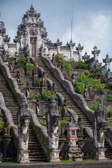 Pura Lempuyang, Bali - I want to run these stairs like Rocky Balboa, I just don't know it I have the endurance: