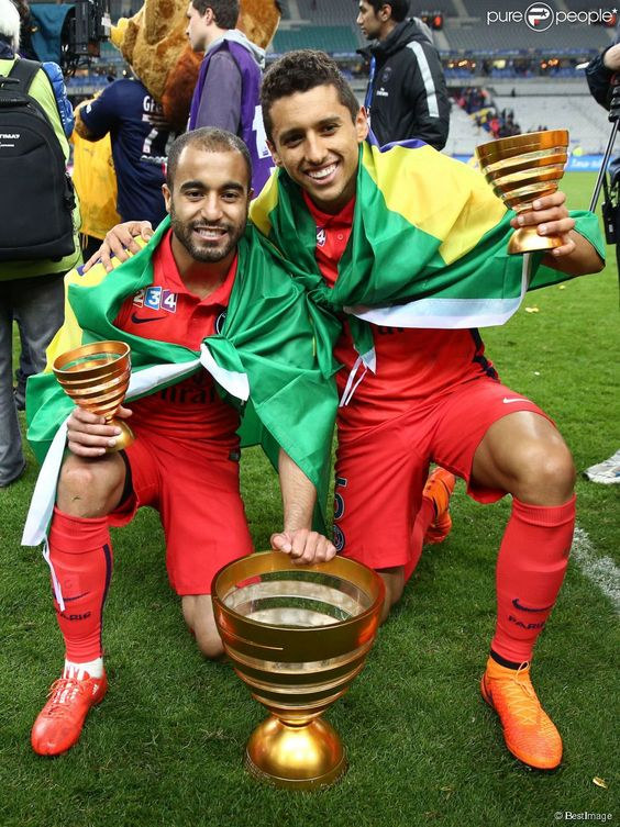 Lucas Moura et Marquinhos, lors la finale de la Coupe de la Ligue (PSG face à Bastia) au Stade de...
