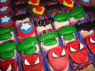 Fofurices da Ritoca: Cookies e docinhos vingadores e superherois!