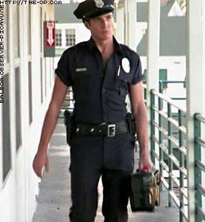 hot cop Gob Bluth.