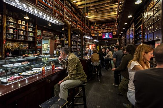La ferreteria reus espa a retail and restaurants - La cucineria roma ...