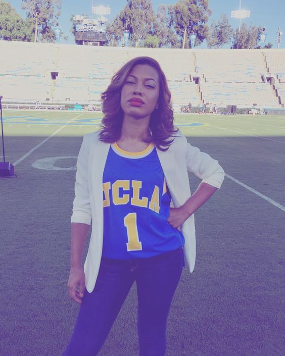 When India tries to be a model though.  They won, by the way! YAAS UCLA YAAS  #Ucla #1 #number1 #model #modelface #goofy #blueandgold #rosebowl #football #stadium