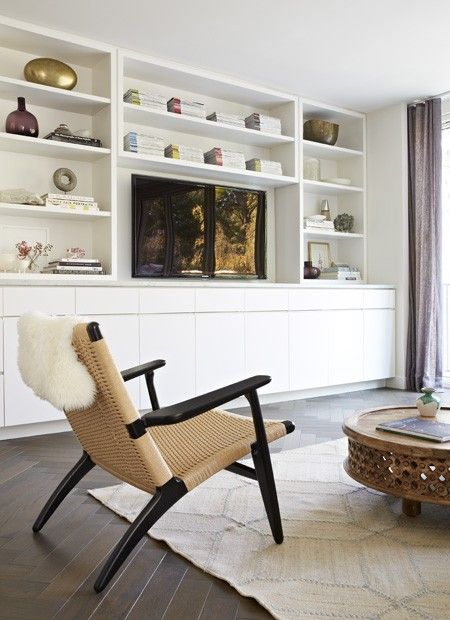 Relaxed Family Room   Photo Gallery: Sally Armstrongs Family Home   House & Home   photo Virginia Macdonald