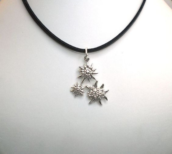 pendant edelweiss silver with traditional edelweiss by AtelierRitz