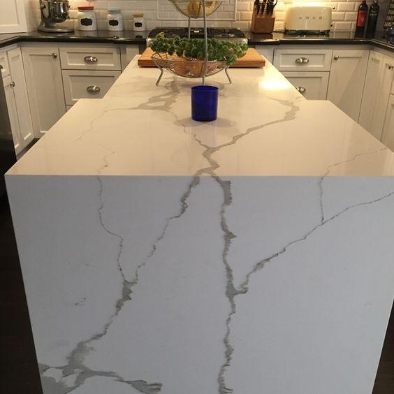 Calacatta Quartz Kitchens: Nouveau Calacatta From Arizona Tile. #Quartz Surfaces Are