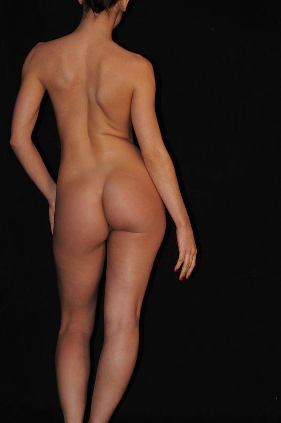 naked rear frontof a women