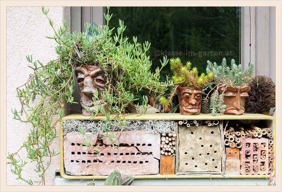 insektenhotel im balkonkasten | 2015-05 | by Brigitte Rieser