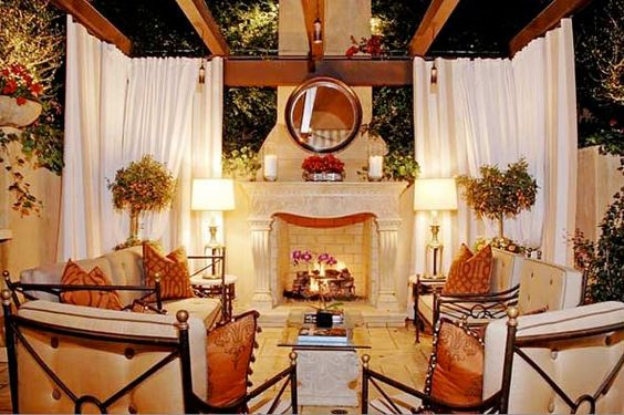 I love this outdoor living space