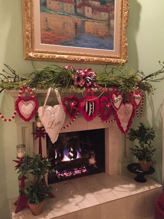 18 Cool Valentine S Day Decor Ideas To Celebrate Love Decor Home Ideas Diy Valentines Decorations Diy Valentine S Day Decorations Valentine Decorations