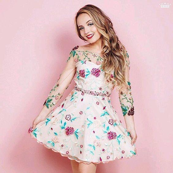 Nova foto liberada pela Miss Teen para a nova coleção !! ❤ Morrendo de amores aquii #larissamanoelabytwoin