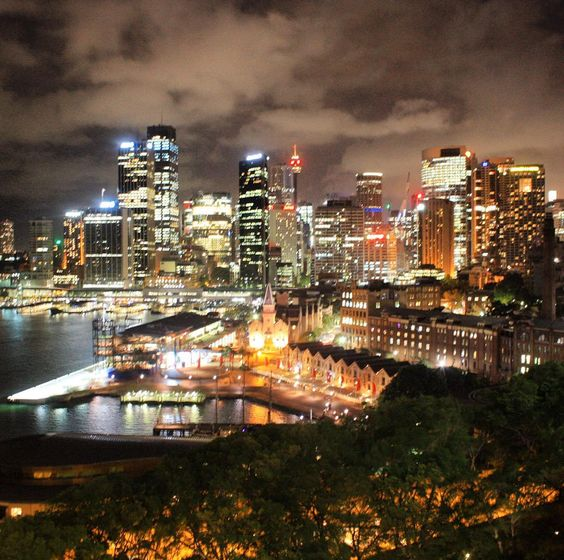 In celebration of World Tourism Day one of my favourite spots would be from this lovely view. Taken from a walk across #sydneyharbourbridge . It was late at night but we continued to explore being that we had a few days left. Packed our essentials and trekked the way. Totally worth it!  #ilovesydney #worldtourismday #sydney #sydneyharbour #sydneyoperahouse #sydneycommunity #HelloWordRelay #vsco #vscocam #vscogrid #vscogram #canon #canon_photos #dslr #canonrebelt4i #throwback #australiagram…