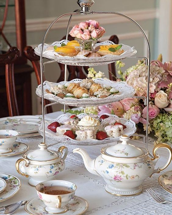 Do you know the difference between high tea and afternoon tea? It's not what you think. Read our article to learn about both types of teas. The article link is in our profile. #AfternoonTea #HighTea #TeaTime