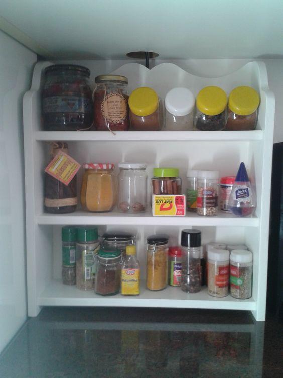Prateleira multiuso em MDF.  Para organizar e embelezar sua cozinha.