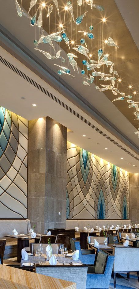 Restaurant at hampton by hilton hotel bursa turkey for Deco interieur restaurant
