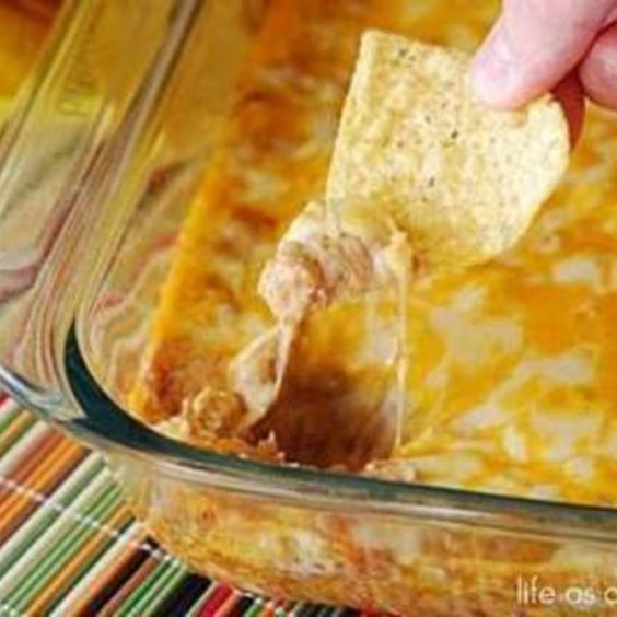 Texas Trash Warm Bean Dip  - Follow #SightApp and save an entire article or recipe by 1 screenshot (Check How: https://itunes.apple.com/us/app/sight-save-articles-news-recipes/id886107929?mt=8