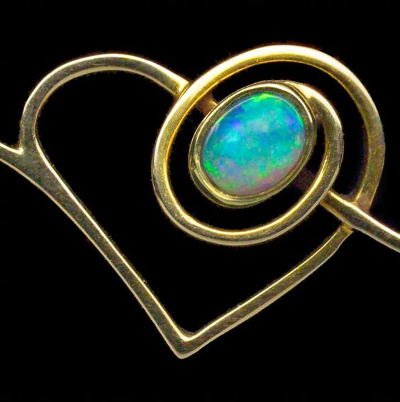 MURRLE BENNETT & CO Art Nouveau Heart Brooch Gold Opal Peridot H: 1.3 cm (0.51 in)  W: 3.2 cm (1.26 in)  Marks: 'MBC' monogram & '15ct' Anglo-German, c.1900