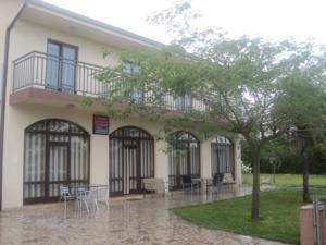https://t.co/sMH1NNSLkD cheap hotel packages from 15 EUR at Bed & Breakfast Family Kordic in #Međugorje #Bosnia and Herzegovina -...