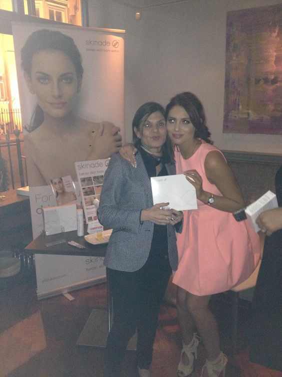 RT @AgostinaSkinade: Good to see @MissAmyChilds @MichelleMone book launch @Salmontini_Uk drink @skinade #SkinadeFans