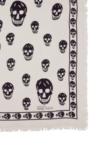 Close-up on skull pashmina scarf: Skulls, I Magination Closet, Dream Closet, Closet Deep, Scarfs, Pashmina Scarf