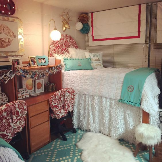 Decorating Ideas > Dorm, Dorm Room And Big Pillows On Pinterest ~ 165426_Edgy Dorm Room Ideas