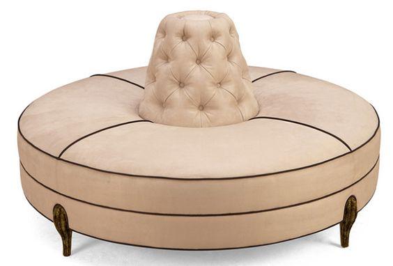 Por regla general, en los salones solemos poner un sofá de dos o tres plazas, un…
