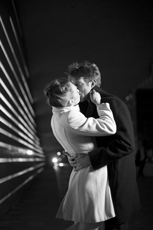 Very classy, very romantic wedding couple kisses in NYC, photography by Justin & Mary