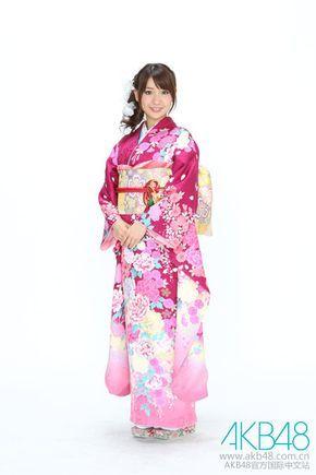 振り袖姿の大島優子