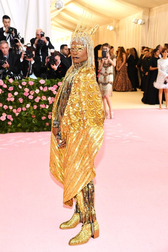 Met Gala 2019 Billy Porter Rides A Wave Of Camp Right Up To The Front Door Met Gala Camping Jacket Women Gala