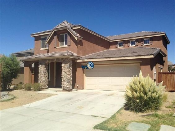 For Sale Beautiful Large Move In Ready Home Victorville Home House Styles Rental Property