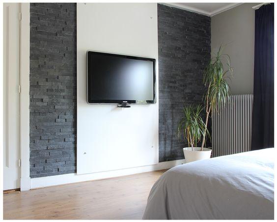slaapkamer tv wand met steenstrips slaapkamer pinterest tvs