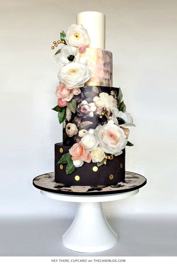 10 Beautiful Black Cakes | including Hey There, Cupcake! | on TheCakeBlog.com: