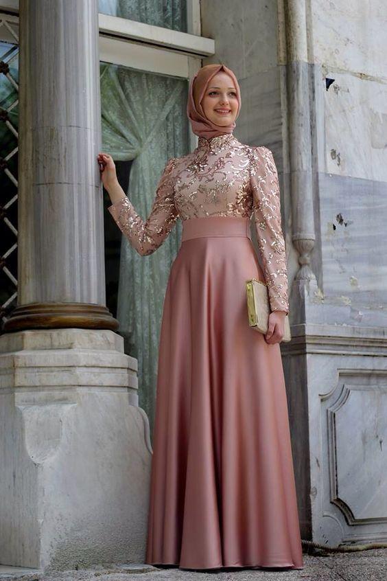 2019 Tesettur Abiye Modelleri Pudra Uzun Hakim Yaka Islemeli Islami Giyim Elbise Elbise Modelleri