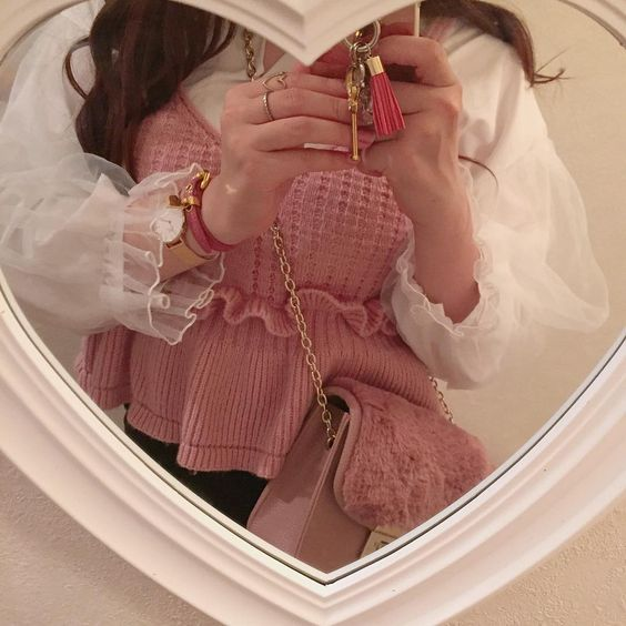 cute pink fashion mirror selfie - haruna on instagram ┊soyvirgo.com @soyvirgos on ig for business inquires!࿐