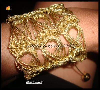 ÁGUA DA LUA: Pulseira Dourada ( Crochê Peruano)