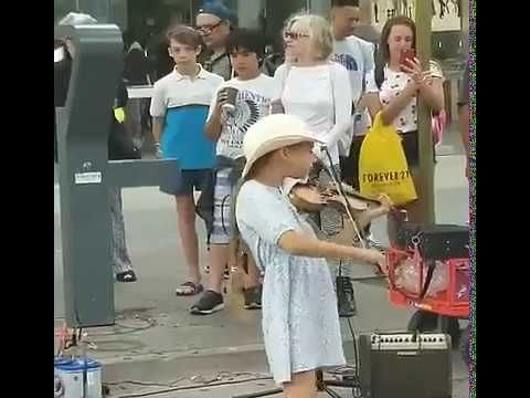 Violin Girl Street Performer In Santa Monica Good News Today Violinists Overcome The World