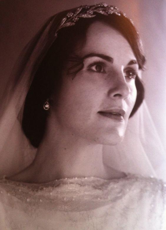 Lady Mary Crawley in her wedding dress.MDocks you queen.