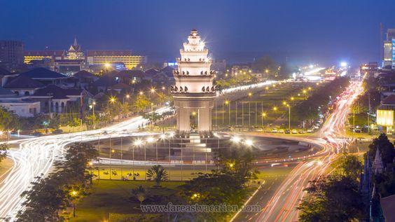 Tượng đài độc lập Phnom Penh trong một buổi đêm ở Pnom Penh