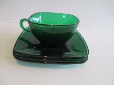 green anchor hocking cup and saucers
