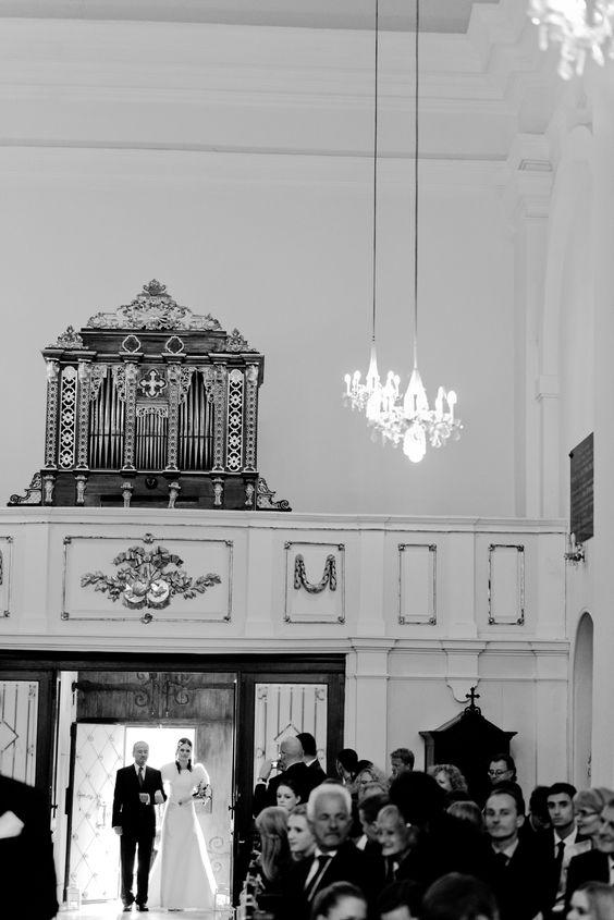 Entrance of the bride... #wedding #weddings #bride #church #hochzeit #heirat #kirche #heiraten #braut