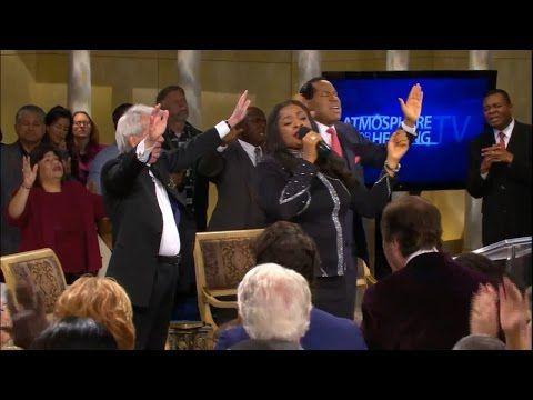 41 Sinach Pastor Benny Hinn S Studio California Youtube