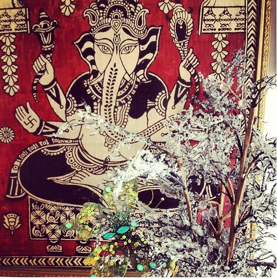 Nice Ganesha print, from http://onceuponateatime.blogspot.com/2012_11_01_archive.html