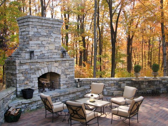 great outdoor fireplace: