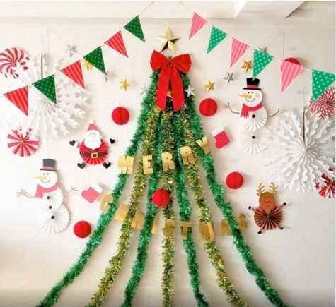 Find The Coolest Christmas Tree Decorations Balloons Party Favours Bar Paper Christmas Decorations Christmas Party Photo Office Christmas Decorations