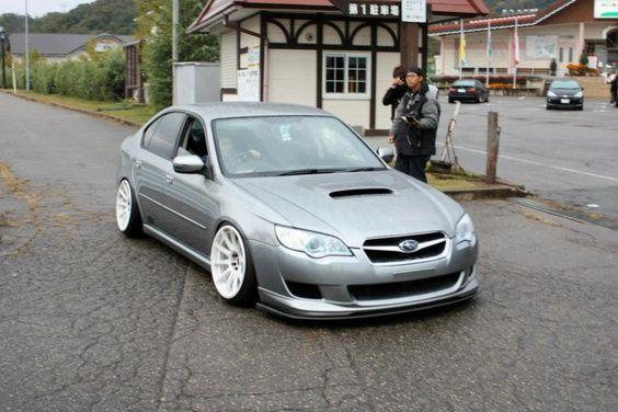 Lowered Subaru Legacy gt
