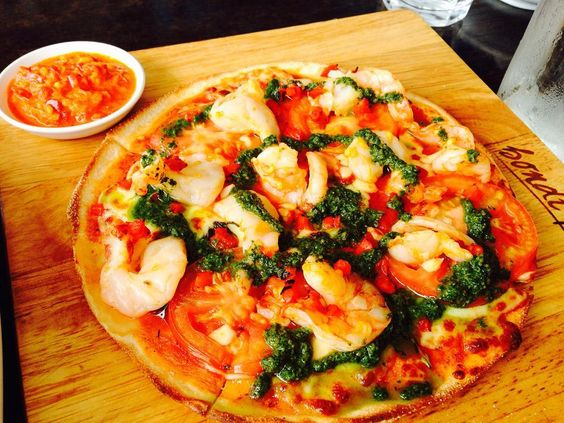 #bondibeachsydney#bondiwestfield#shopping#bondipizza#travelingram#eating#daily#pizza by jijiz http://ift.tt/1KBxVYg
