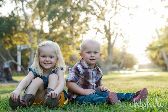 sibling photography - Irvine Regional Park